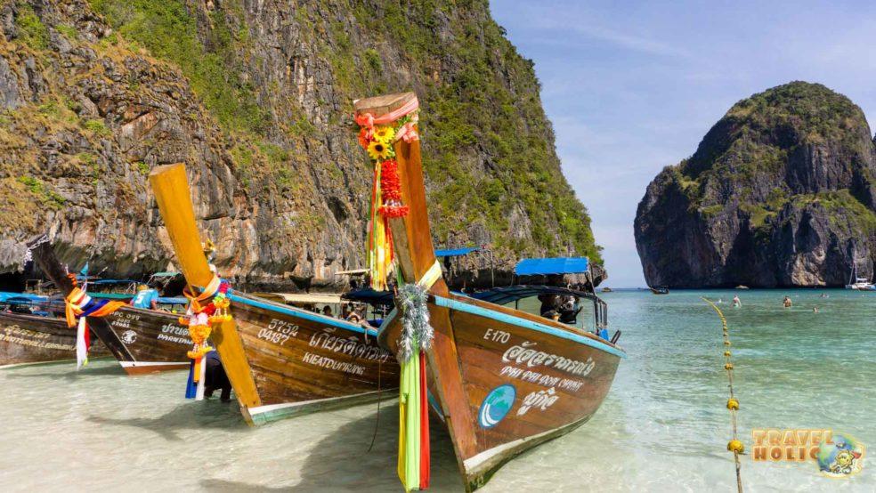 Long tail boats à Maya Bay en Thaïlande